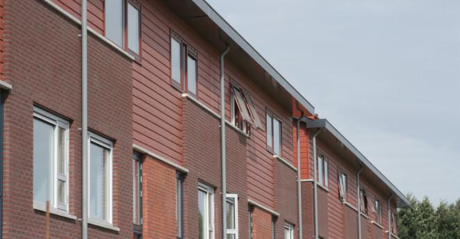 Keralit-fassadenpaneele-steinrot