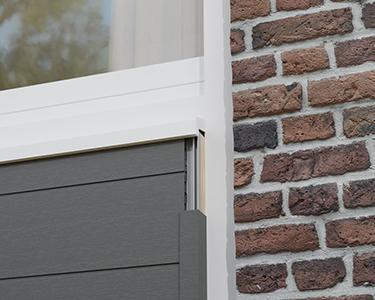 Abschluss von hervorstehenden Fassadenverkleidungen